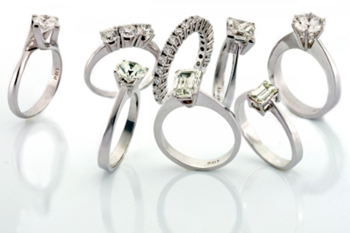 buying-a-diamond-ring-phootgraphy-in-style